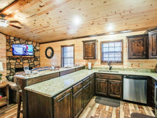 log cabin builders hochatown ok